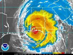 Courtesy NOAA. Hurricane Ivan Infrared Satellite Just After Landfall, 3:45 a.m. CDT Thursday. Image links to current NOAA satellite images